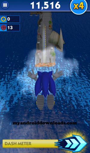سونيك يقفز من مكان لآخر ليتخطى البحر - تحميل لعبة سونيك داش للاندرويد اخر اصدار